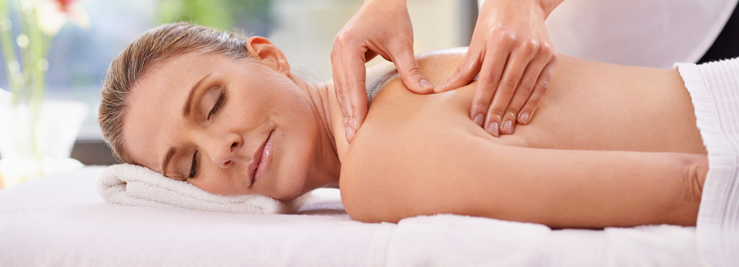 therapeutic massage charming professional hands special mins